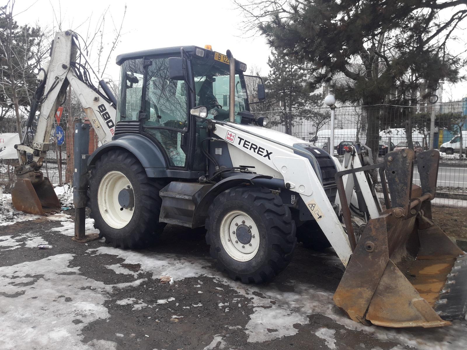inchiriez excavator bucuresti